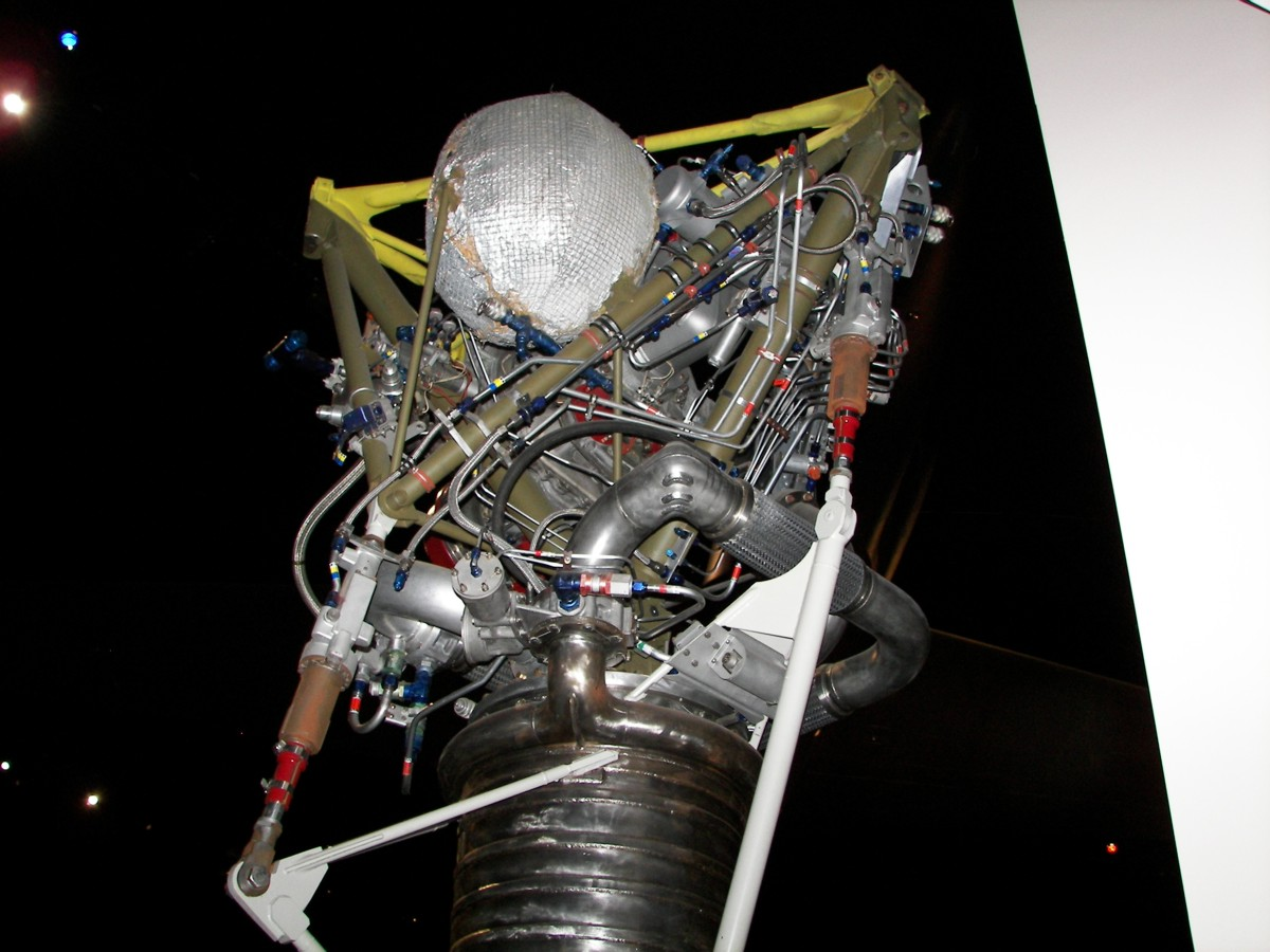 https://historicspacecraft.com/Photos/LR-79_Engine_Dayton_2007_RK_5.jpg