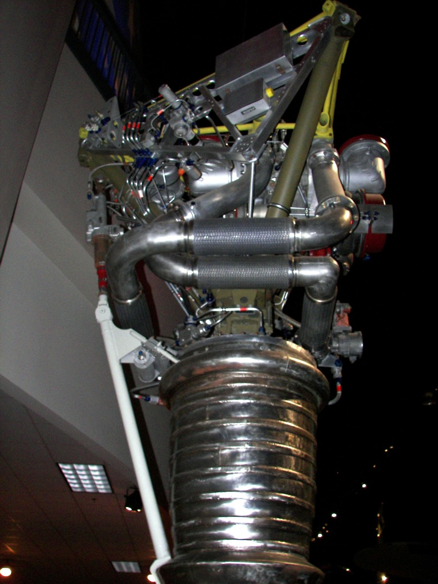 https://historicspacecraft.com/Photos/LR-79_Engine_Dayton_2007_RK_6.jpg