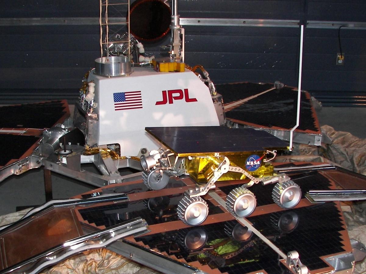 Mars Probes Historic Spacecraft Infrared Video Of A Hovering Nasa Lander Pathfinder Sojourner Rover