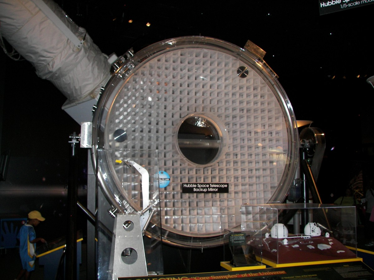 hubble telescope flawed mirrors - photo #4