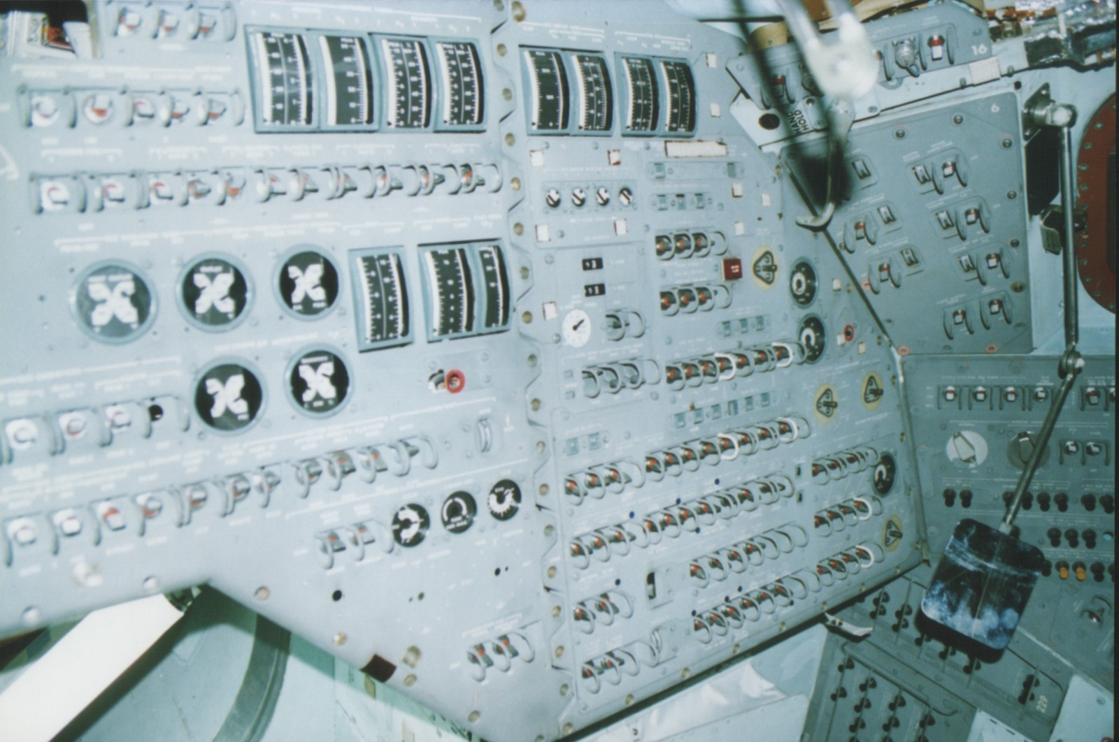 apollo capsule control panel - photo #9