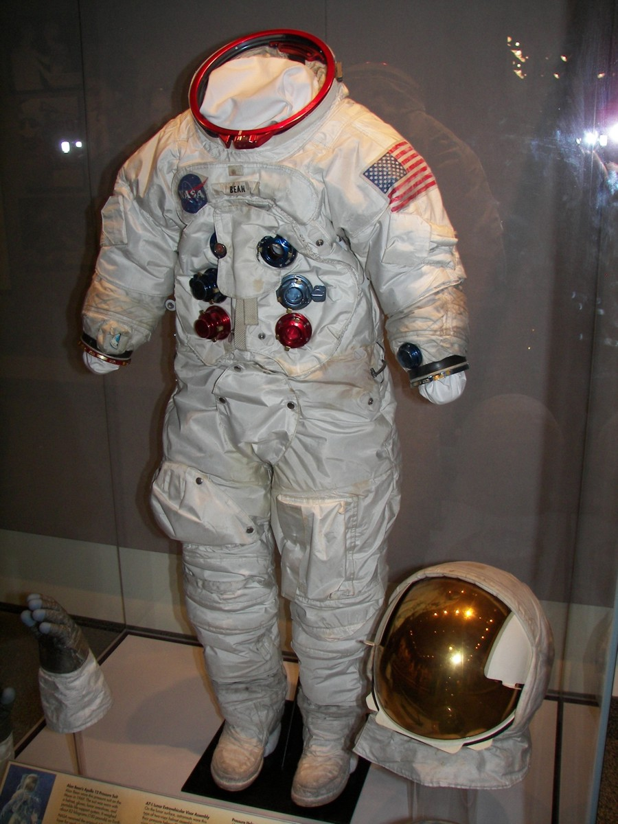 apollo a7l spacesuit - photo #12